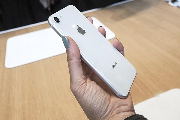 Apple sẽ không đủ lượng iPhone 9 bán ra do virus corona