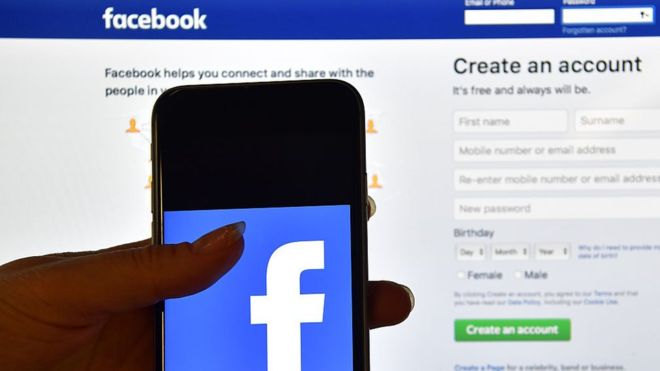Singapore yêu cầu Facebook chặn truy cập trang web đưa tin giả về COVID-19