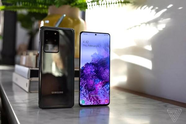 """Người dùng Samsung Galaxy bất ngờ nhận thông báo lạ với dòng chữ chỉ có số """"1"""""""