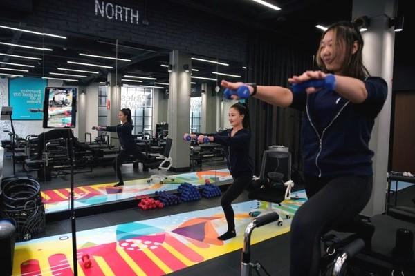 Khi tập gym, học và làm việc từ xa trở nên quen thuộc ở Trung Quốc mùa đại dịch Covid-19