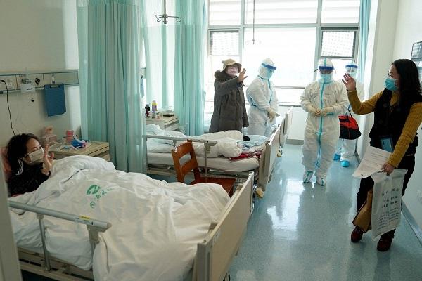 Diễn biến mới đáng ngại: Vũ Hán cách ly bệnh nhân nhiễm corona đã khỏi bệnh thêm 14 ngày do nhiều người dương tính trở lại