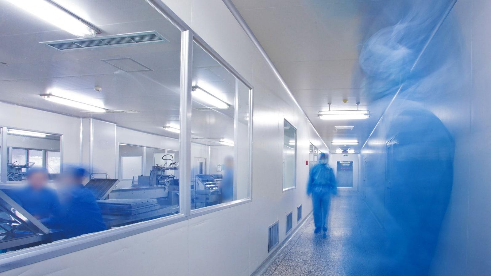 """Các nhà khoa học """"chạy đua"""" trong việc tái tạo virus corona mới từ mã DNA của nó"""