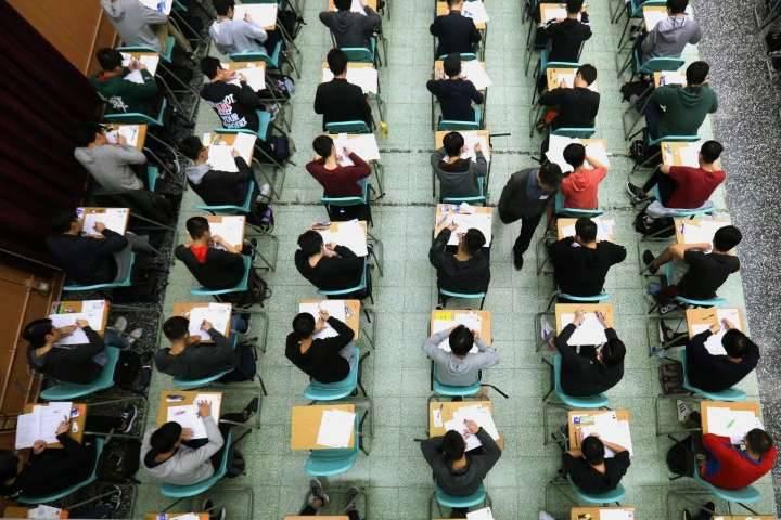 Học sinh Hong Kong được nghỉ học đến hết 20/4 để phòng Covid-19 lây lan