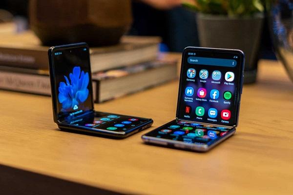 Samsung Galaxy Fold 2 sẽ sử dụng vật liệu màn hình hoàn toàn mới, kết hợp UTG và polyimide
