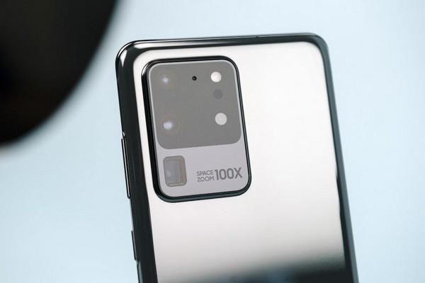 Samsung sẵn sàng trả tới 700 USD cho ai muốn đổi từ iPhone 11 Pro sang Galaxy S20