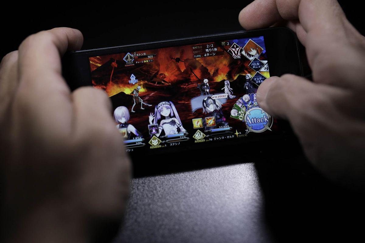 Fate/Grand Order: game di động kiếm nhiều tiền hơn bất kỳ game console nào của Sony