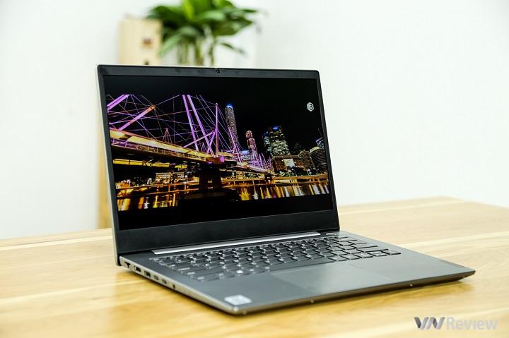 Đánh giá laptop Lenovo ThinkBook 14-IML: Bước từng bước, chậm mà chắc