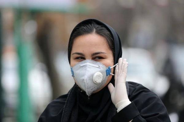 Iran phóng thích 54.000 tù nhân để tránh dịch bùng phát trong các trại giam