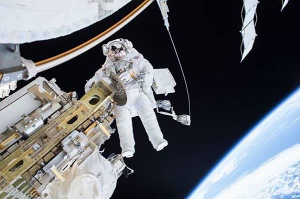 NASA đang tuyển phi hành gia, bạn xem có đủ tiêu chuẩn không?