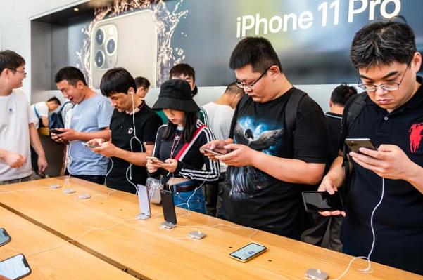 """Sản xuất của Apple, Microsoft, Google muốn """"thoát Trung"""" nhưng không dễ"""