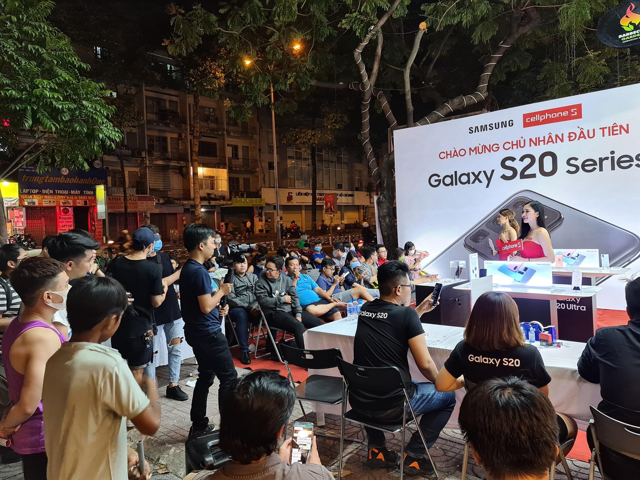 Hôm nay, bộ ba Galaxy S20 chính thức lên kệ tại Việt Nam, phần lớn người dùng chọn S20 Ultra dù giá xấp xỉ 30 triệu đồng