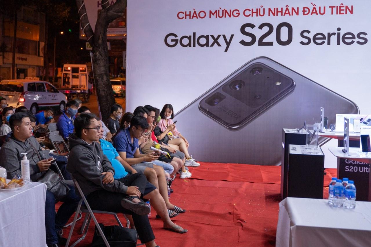 Galaxy S20 hôm nay chính thức lên kệ tại Việt Nam, đa số chọn S20 Ultra dù giá tới 30 triệu đồng