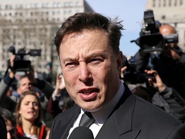 """Elon Musk: """"Thật ngu ngốc khi hoảng loạn vì virus Corona"""""""