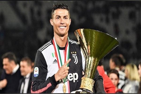 Ronaldo không trở lại Italy sau khi cầu thủ Juve nhiễm virus corona