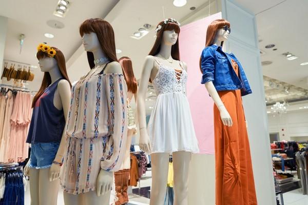"""Các thương hiệu thời trang nhanh như H&M và Zara """"gặp hạn"""" lớn vì dịch Covid-19"""