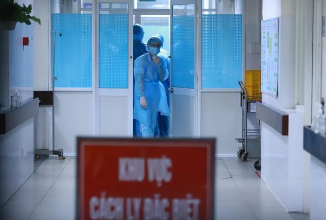 Thêm 3 người nhiễm COVID-19 tại Hà Nội, đưa tổng số người mắc bệnh tại Việt Nam lên 60