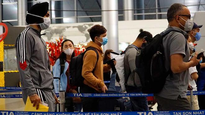 Việt Nam sẽ ngưng cấp visa với tất cả các nước để 'siết' đầu vào Covid-19