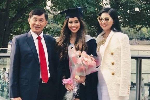 Con gái Tiên Nguyễn âm tính, ông Johnathan Hạnh Nguyễn tài trợ hơn 6 tỷ chống Covid-19