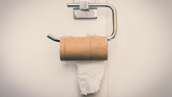 Mỹ: Tắc cống vì người dân dùng áo cũ thay giấy vệ sinh