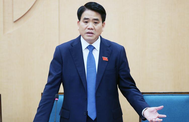 Chủ tịch Hà Nội khuyên con không về nước