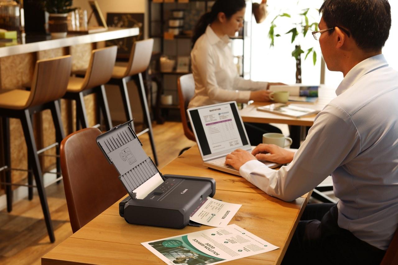 Canon ra mắt máy in văn phòng không cần cắm điện, có cả cổng Type C, kết nối WiFi 5GHz, màn hình OLED, giá từ 9,13 triệu đồng