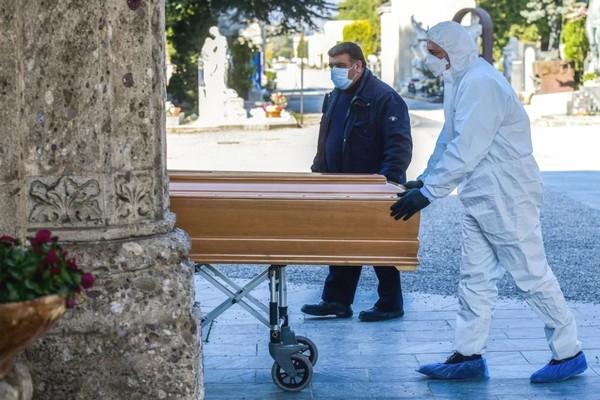 Quan chức chính phủ Ý: Số ca thực nhiễm tại Ý có thể lên tới 600.000 người