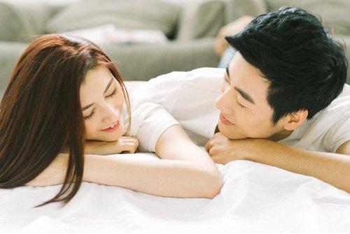Quan hệ tình dục có lây Covid-19 không? Bệnh Covid-19 lây truyền bằng cách nào?