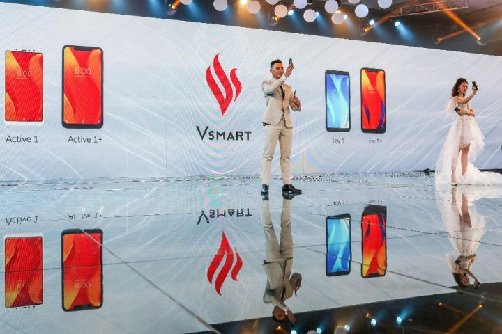 """Forbes: VinGroup đang """"ăn mạnh"""" thị phần từ các đối thủ Trung Quốc"""