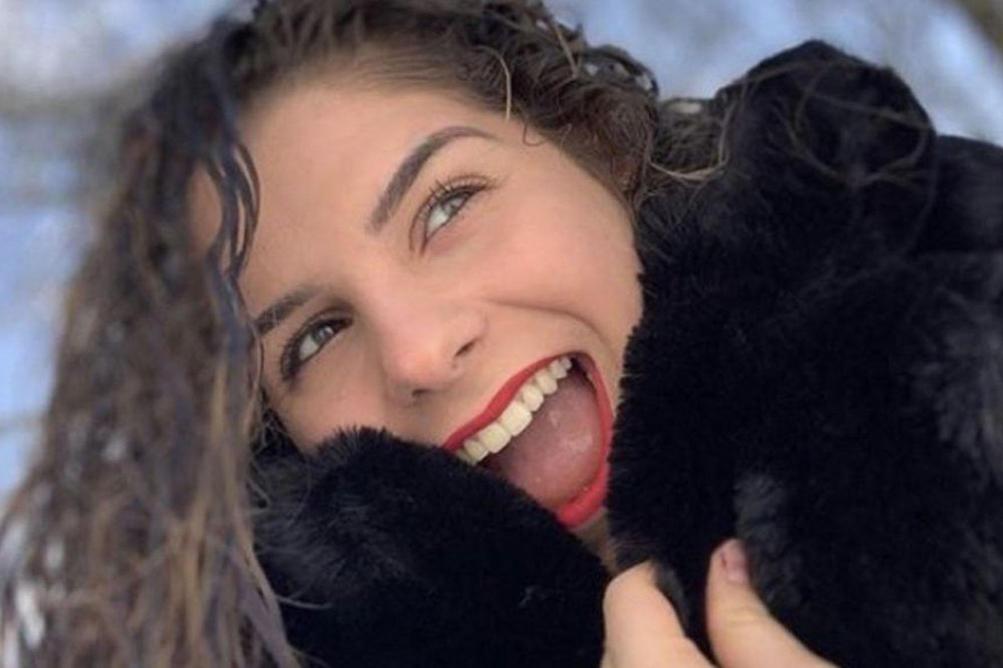 Nữ sinh mới 16 tuổi qua đời sau một tuần có triệu chứng nhiễm Covid-19