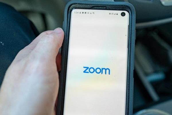 Zoom đã xóa các đoạn mã gửi dữ liệu đến Facebook