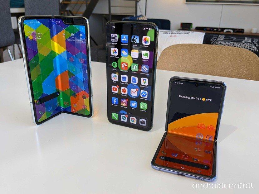 Không phải Apple, Samsung mới là người đang dẫn dắt sự thay đổi ngành smartphone với điện thoại gập
