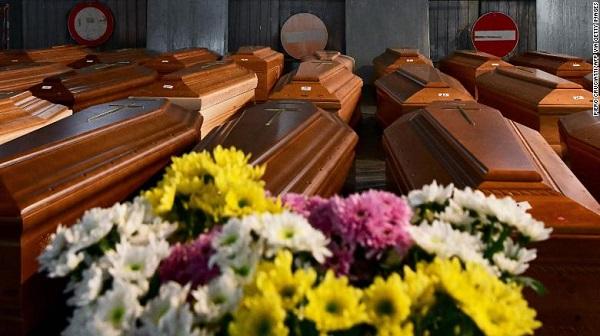 Vì sao tỷ lệ tử vong vì COVID-19 tại Ý lại cao khủng khiếp, gấp 4-5 lần Mỹ và Trung Quốc?