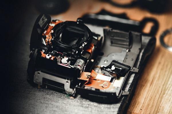COVID-19 đã gây ảnh hưởng đến ngành công nghiệp máy ảnh như thế nào?