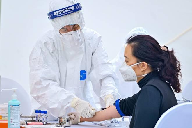 Phát hiện 3 mẫu dương tính Covid-19 qua xét nghiệm nhanh ở Hà Nội