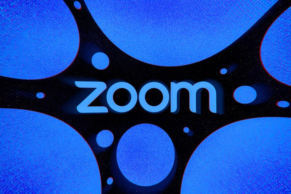 """Zoom lại """"dính phốt"""" về bảo mật: làm lộ địa chỉ email và ảnh cá nhân của người dùng"""
