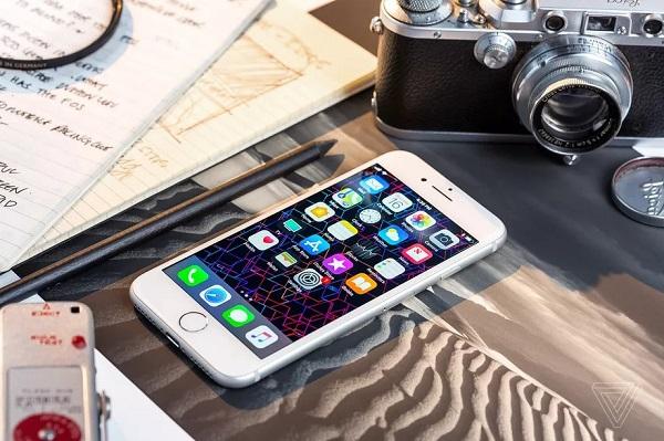 """Chẳng phải iPhone 9, Apple dường như sẽ chọn cái tên """"iPhone SE"""" cho chiếc iPhone 4,7 inch sắp tới"""