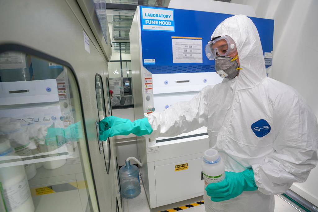 VinGroup bất ngờ tuyên bố sản xuất quy mô hàng loạt máy thở và máy đo thân nhiệt