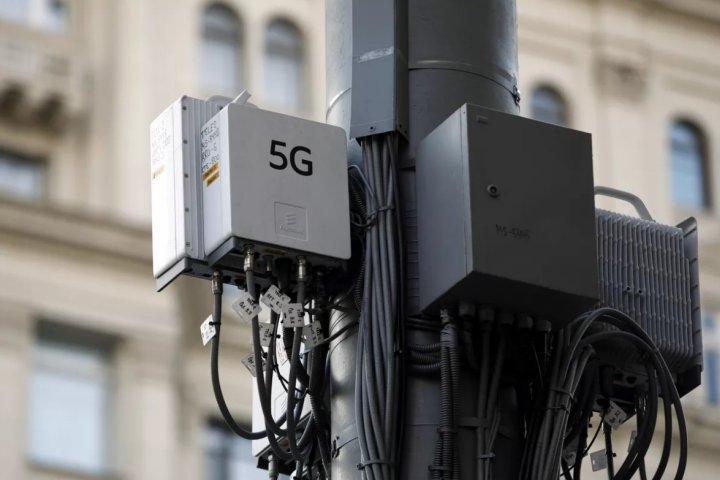 Dân Anh đốt trạm phát sóng 5G vì cho rằng 5G gây ra đại dịch virus corona