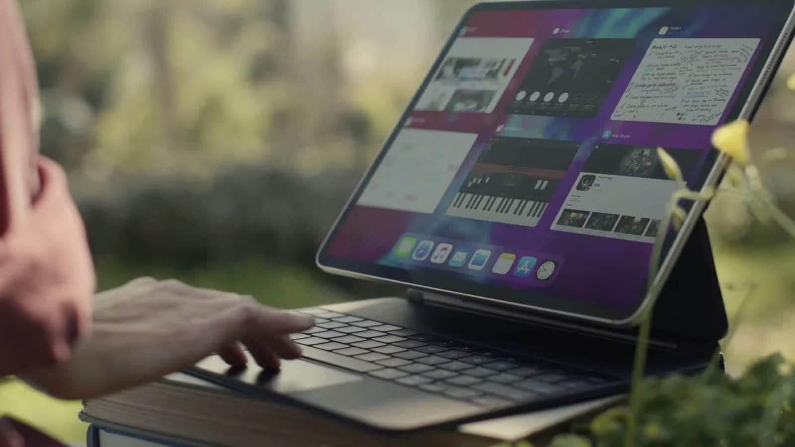 Bộ phần mềm văn phòng iWork và ứng dụng biên tập phim iMovie của Apple đã hỗ trợ chuột trên iPad