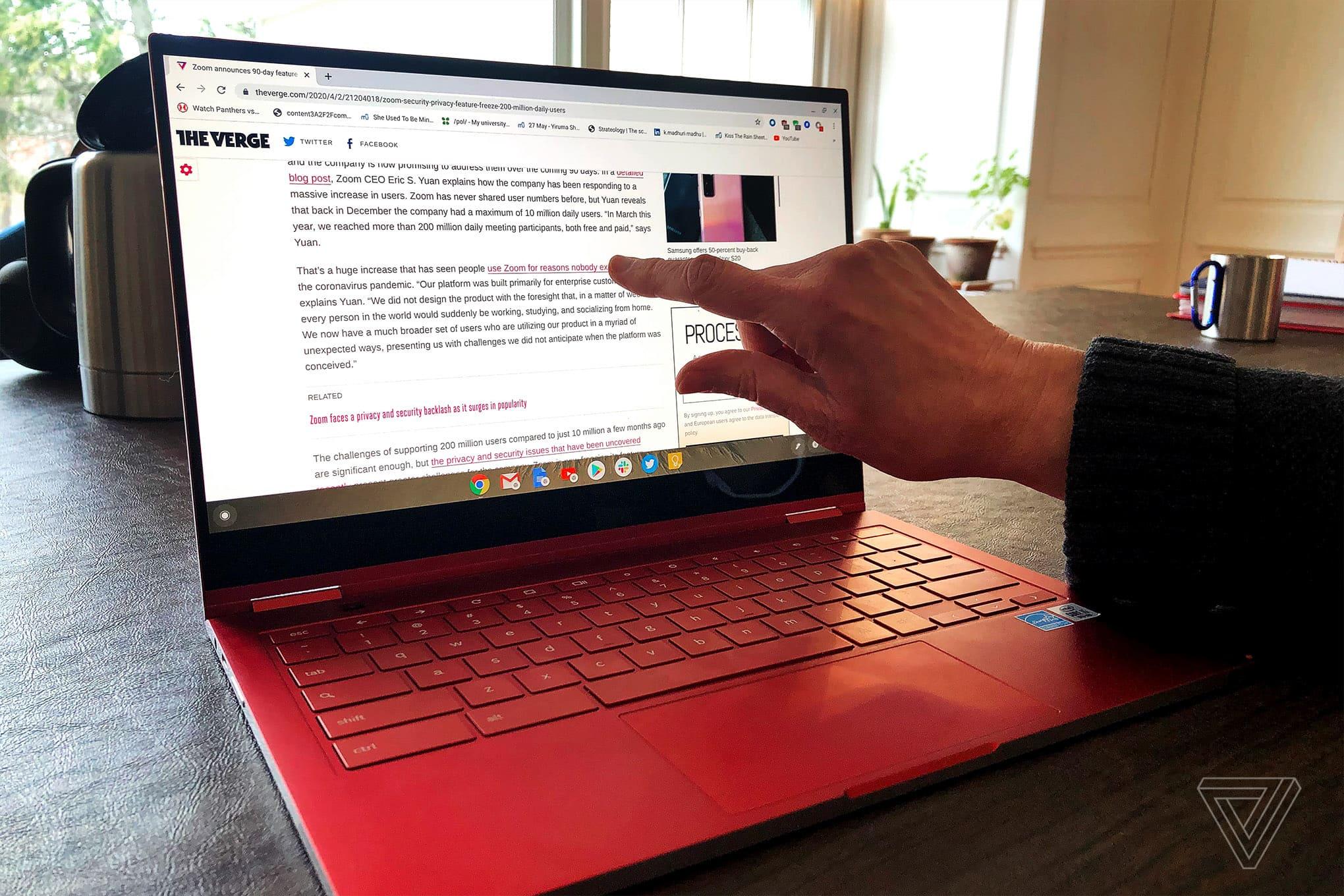 Đánh giá Samsung Galaxy Chromebook: Đẹp hơn, nhưng cũng... nhiều vấn đề hơn