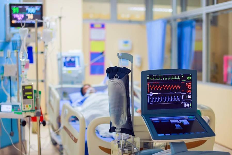 Thủ tướng Anh chiến đấu với Covid-19 trong phòng hồi sức cấp cứu như thế nào?
