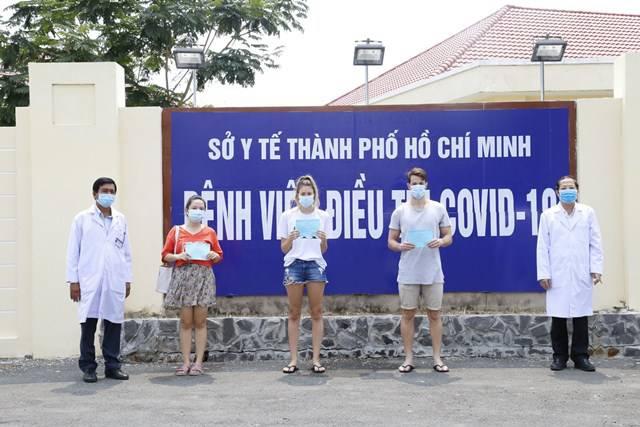 Thêm 4 ca nhiễm Covid-19 được ra viện, hơn 50% bệnh nhân ở Việt Nam đã khỏi bệnh