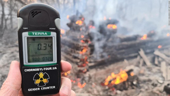 Khu vực nhà máy Chernobyl cháy lớn, mức phóng xạ trong khu vực cao gấp 16 lần mức bình thường