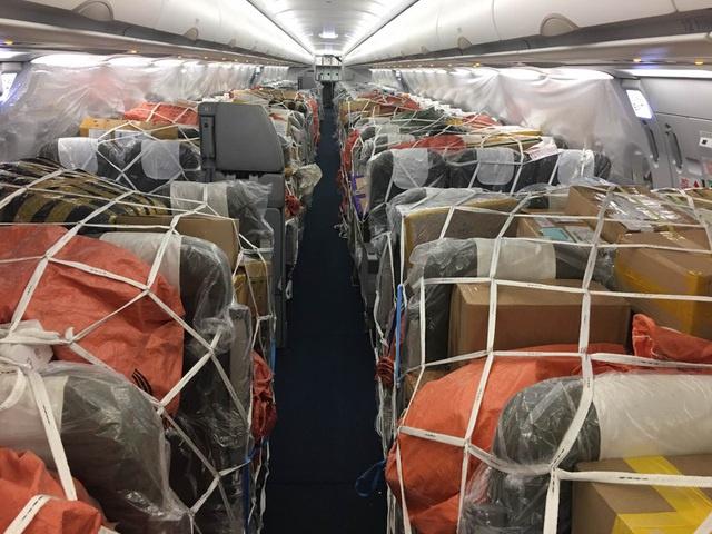 Ngừng chở khách tới Việt Nam, máy bay chật kín hàng hóa