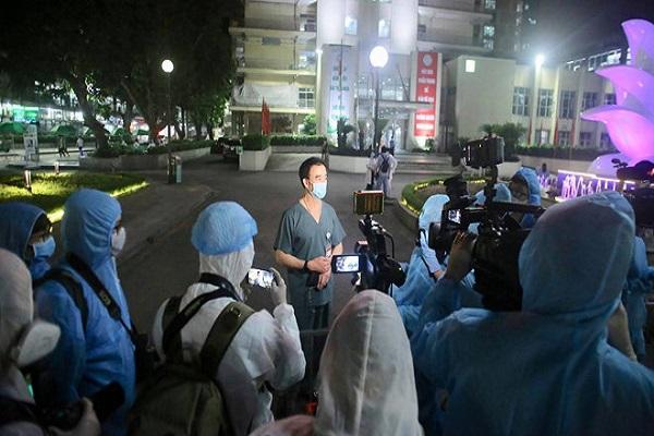 Chính thức dỡ cách ly, Bệnh viện Bạch Mai đơn phương cắt hợp đồng với Trường Sinh