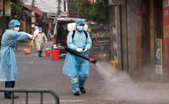 Thêm 3 ca nhiễm Covid-19 tại Việt Nam: 2 người ở Hạ Lôi, 1 người ở nước ngoài, tổng số ca tăng lên 265