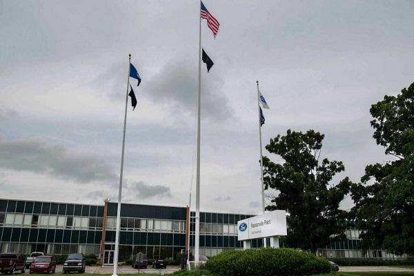 Cận cảnh dây chuyền sản xuất vật tư phòng, chống Covid-19 của Ford và GM