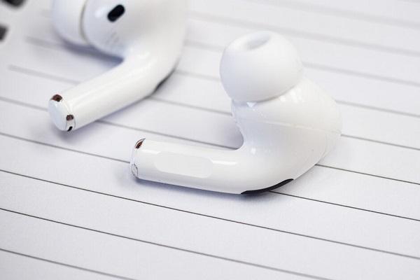 Apple sẽ sớm ra mắt tai nghe over-ear mới, có thể tuỳ biến linh kiện