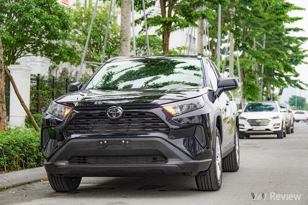 Cận cảnh Toyota RAV4 2020 bản LE nhập khẩu về Việt Nam, giá 2,6 tỷ đồng