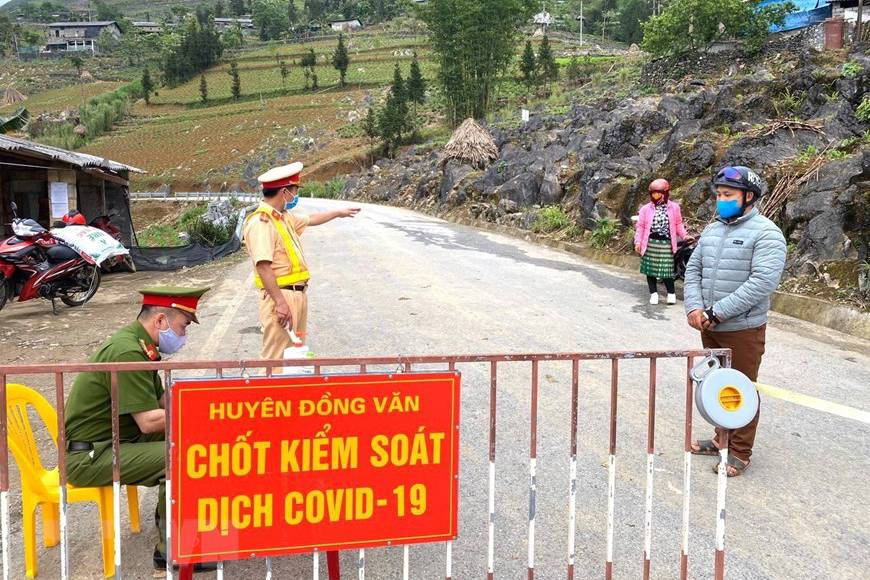 Dỡ phong tỏa thị trấn Đồng Văn sau chưa đầy 1 ngày thực hiện cách ly